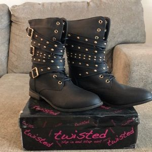 Twisted Bree Black Size 10 Boot